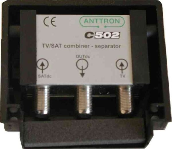 COUPLEUR TV/SAT HAUTE REJECTION ETANCHE ANTTRON C502